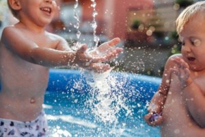 Children splashed in the pool